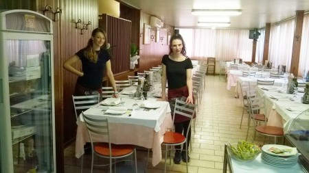 Anna e Silvia in sala
