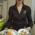 Anna con i piatti di Capodanno